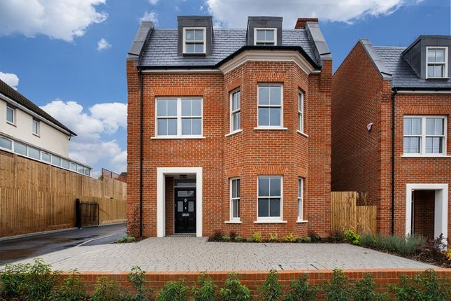 Thumbnail Property for sale in Purley Downs Road, Sanderstead, South Croydon
