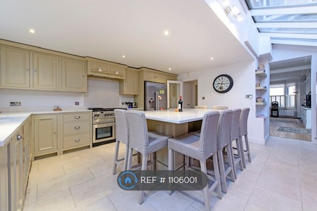 4 bed terraced house to rent in Bennerley Road, London SW11