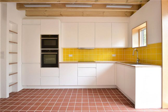 Thumbnail Property to rent in Stories Road, East Dulwich, London
