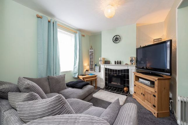 Lounge of Cliff View Terrace, Camborne TR14