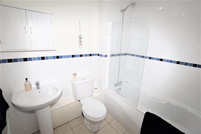 Bathroom of Glanfa Dafydd, Barry CF63