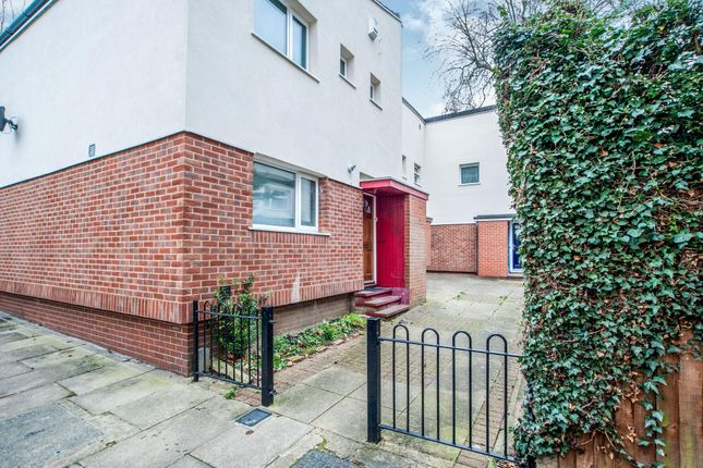 Thumbnail Property to rent in Starling Place, Boundary Way, Watford