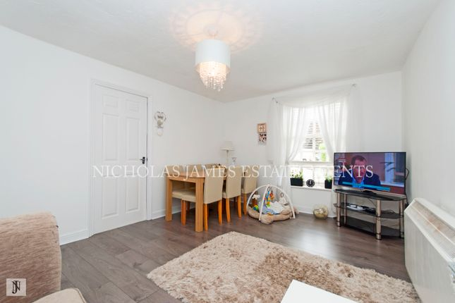 Thumbnail Flat to rent in Leigh Hunt Drive, Southgate