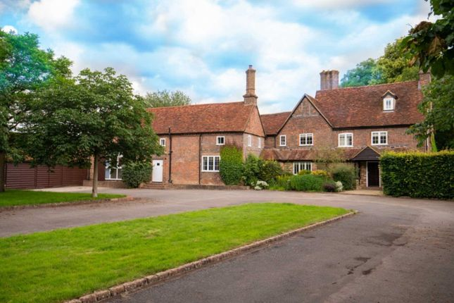 Thumbnail Detached house to rent in Church Road, Studham, Dunstable