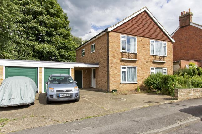 2 bed flat for sale in Lavender Hill, Tonbridge