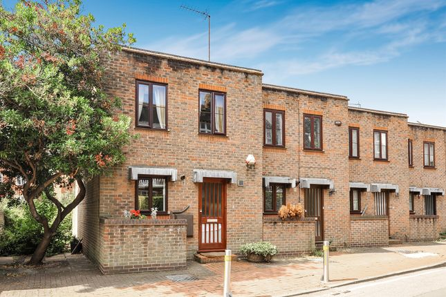 Thumbnail End terrace house for sale in Park Lane, Richmond