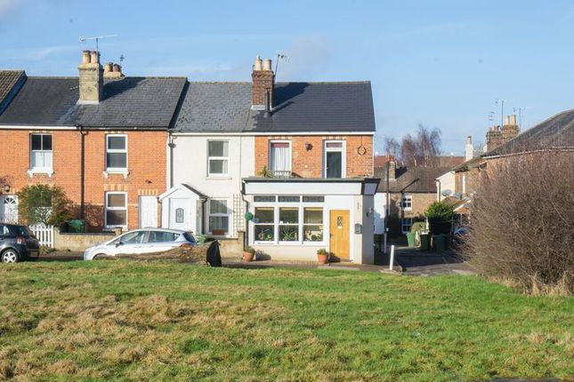 Thumbnail Terraced house for sale in Common View, Tunbridge Wells