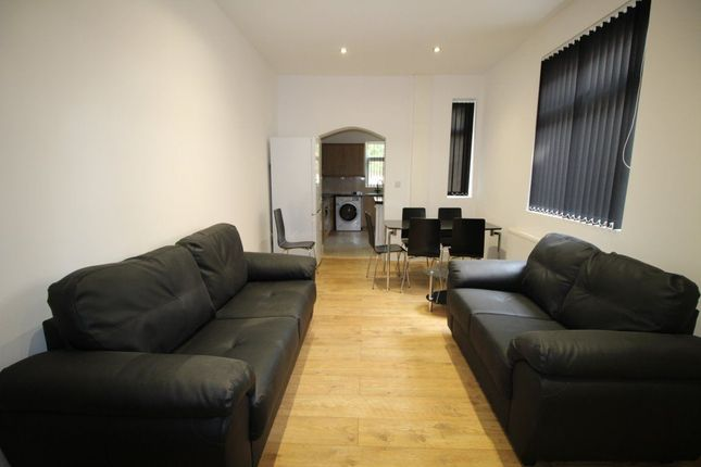 Thumbnail Property to rent in Langdale Road, Manchester