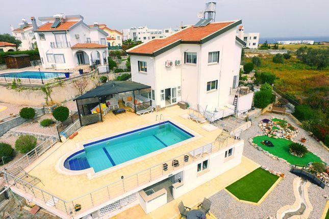 Thumbnail Villa for sale in Bahceli