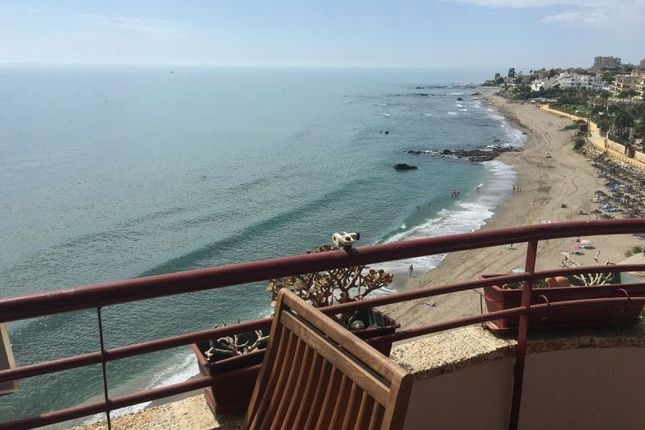 1 bedroom apartment for sale in Lovely Frontline Apartment With High Spec For Sale In Rivier, Riviera Del Sol