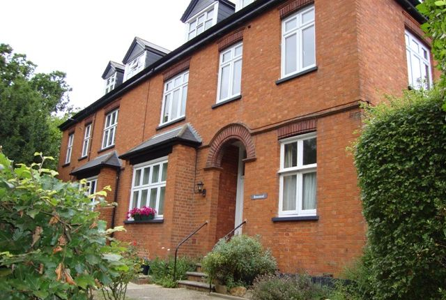 Thumbnail Flat to rent in Speldhurst Road, Southborough, Tunbridge Wells