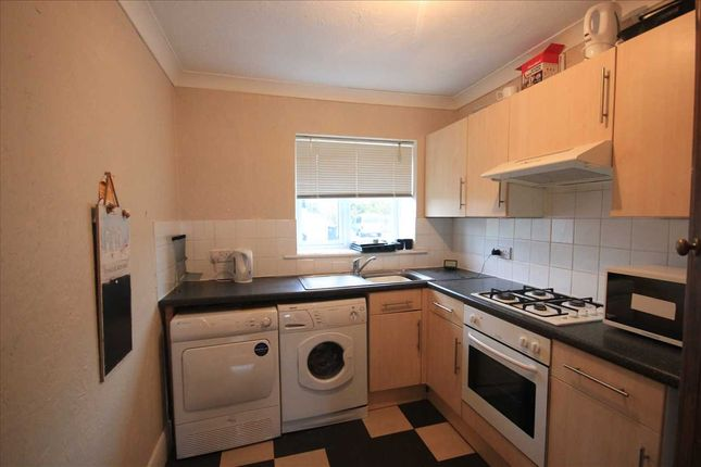 Thumbnail Flat to rent in Bevendean Crescent, Brighton