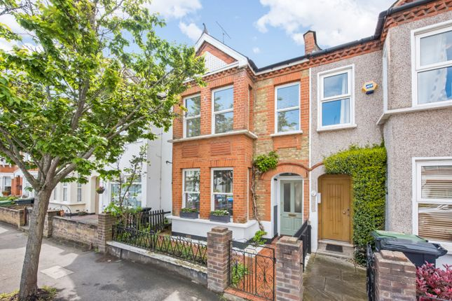 3 bed terraced house to rent in Knighton Park Road, Sydenham, London SE26