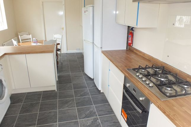 Thumbnail Terraced house to rent in Kirkstall Lane, Leeds, West Yorkshire