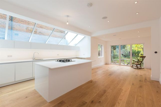 Thumbnail Property for sale in Ivy Road, London