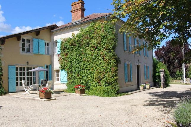 4 bed country house for sale in Condom, Midi-Pyrenees, 32100, France
