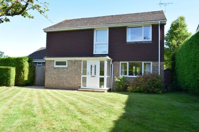 Thumbnail Detached house for sale in Greenacres, Woolton Hill, Newbury