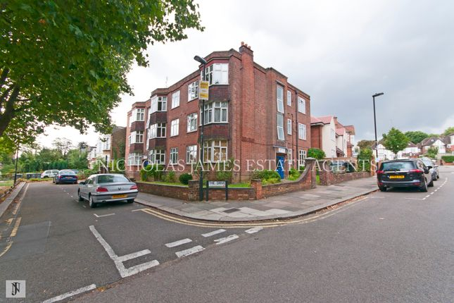 2 bed flat to rent in Warwick Court, Bounds Green