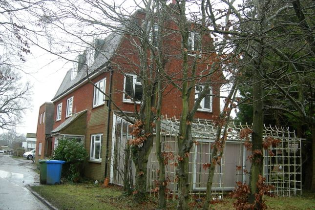 Thumbnail Detached house for sale in Waterloo Road, Wokingham