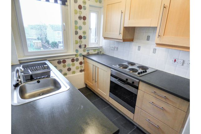 Kitchen of Cairns Street West, Kirkcaldy KY1