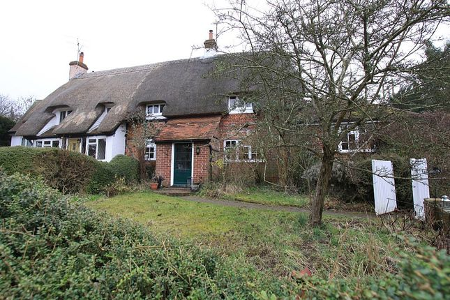 Thumbnail Cottage for sale in Box Hedge Cottage, Main Street, Chaddleworth, Newbury, Berkshire