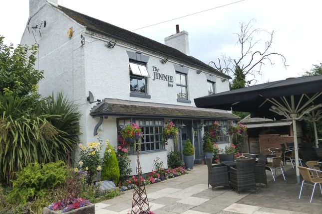 Thumbnail Pub/bar for sale in Station Road, Staffordshire: Burton On Trent
