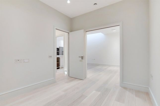 Mews house for sale in Roland Way, London