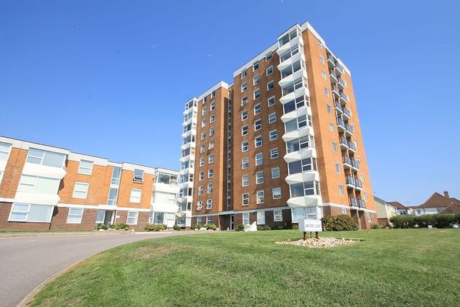 Thumbnail Flat to rent in Milford Court, Brighton Road, Lancing