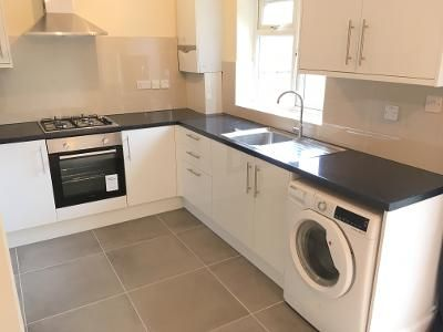 Thumbnail Flat to rent in Very Near Shirley Gardens Area, Hanwell West Ealing Borders