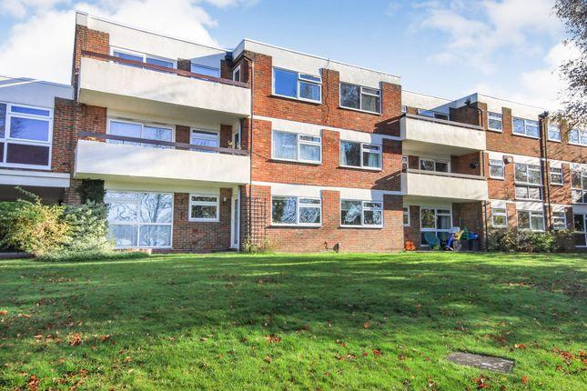 Thumbnail Flat to rent in Carlton Road, Harpenden