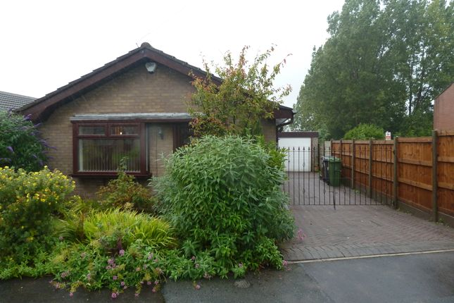 Thumbnail Bungalow to rent in Bankfield, Hyde