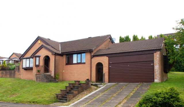 Thumbnail Detached bungalow to rent in Dunvegan Avenue, Gourock PA19,