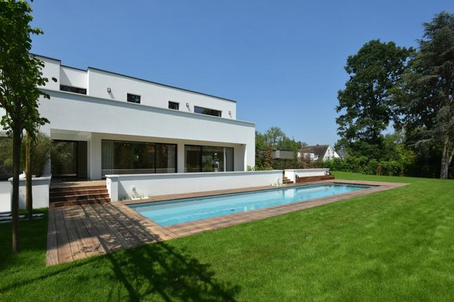 Thumbnail Villa for sale in 54, 1200, Woluwe-Saint-Lambert, Belgium