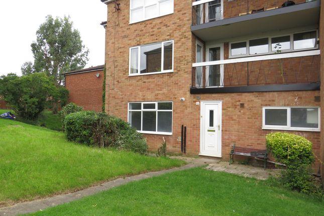 2 bed flat for sale in Bideford Green, Leighton Buzzard