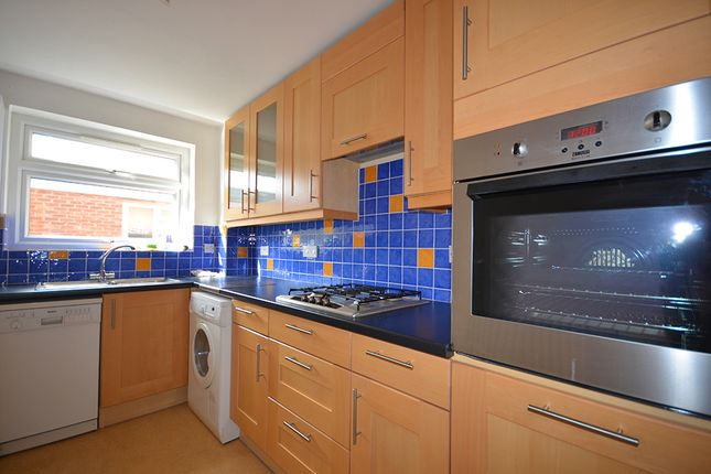 Thumbnail Flat to rent in Avenue Road, Highgate, London