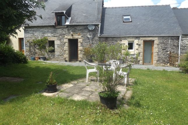 Thumbnail Semi-detached house for sale in 22340 Maël-Carhaix, Côtes-D'armor, Brittany, France