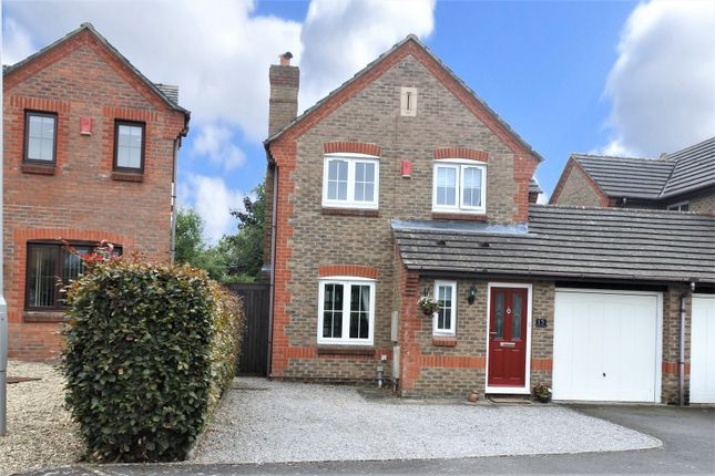 Thumbnail Link-detached house for sale in Willow Way, Motcombe, Shaftesbury