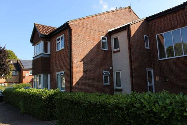Thumbnail Flat to rent in Lowdell Close, West Drayton