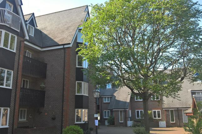 Thumbnail Flat to rent in Cliffe High Street, Lewes