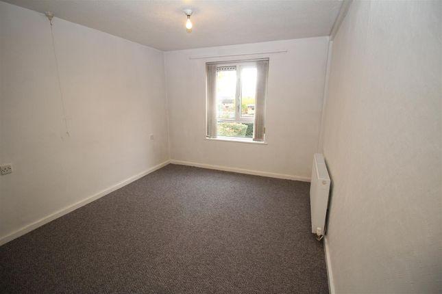 Bedroom of Welham Walk, Bradford BD3
