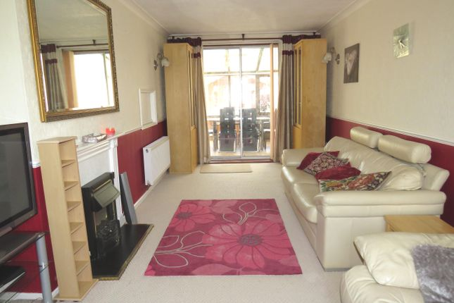 Living Room of Gressel Lane, Birmingham B33