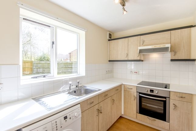 Thumbnail Flat to rent in Heron Drive, Bicester