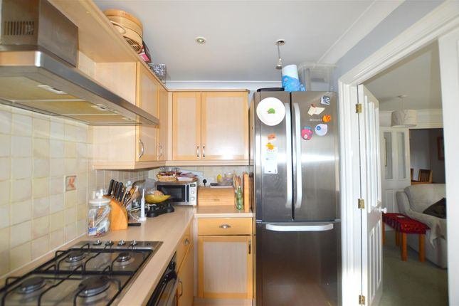 Kitchen: of Haven Road, St. Thomas, Exeter EX2