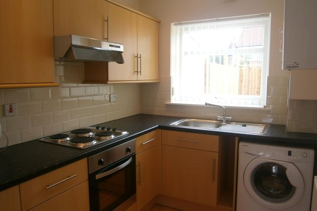 Thumbnail Terraced house to rent in Hardenhuish Road, Bristol