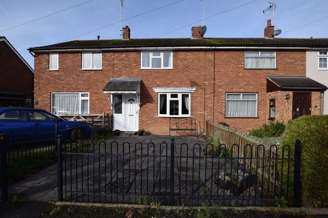 Thumbnail Terraced house for sale in Dover Hedge, Aylesbury