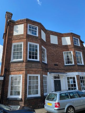 1 bed flat to rent in High Street, Broseley, Telford, Shropshire. TF12