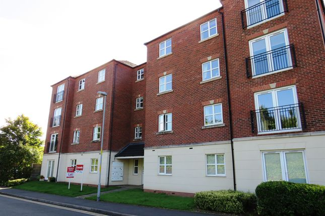 Thumbnail Flat for sale in Ingles Drive, Worcester