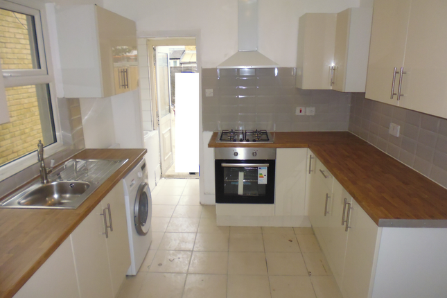 Thumbnail Terraced house to rent in Valnay Street, Tooting Bec, Balham, Tooting Broadway, Wandsworth