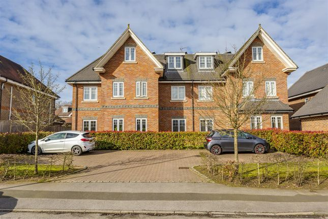 Flat-Birchwood-House-Banstead-106