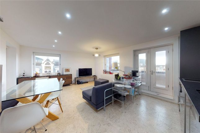 Thumbnail Flat for sale in Vale Royal House, 36 Newport Court, London